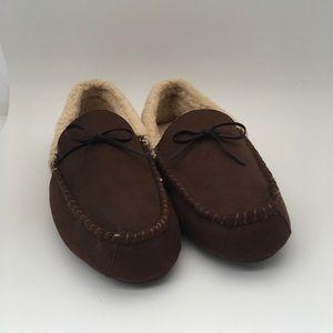 Levi signature slippers size 10 - 11